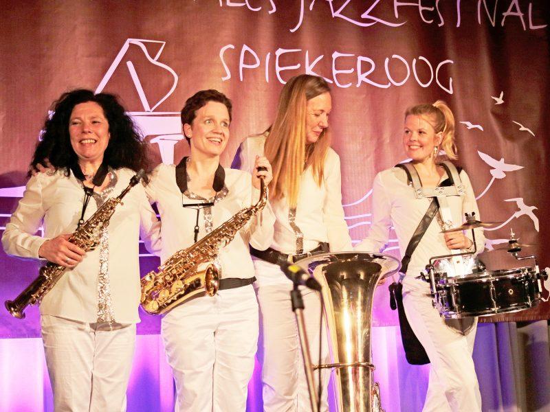 Konzert Spiekeroog Musikerinnen Kirche Festivals marching Band Festumzug Festivals Jazzfest Spiekeroog KULTTOUR Jazzfest Ahrenshoop Jazzralley in Düsseldorf Dixiefestival Dresden