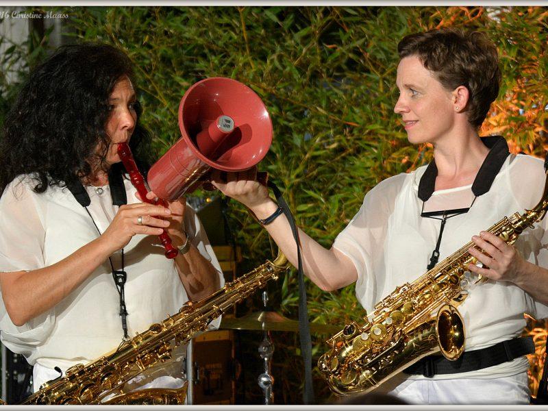 BrassAppeal Musikerinnen beim Live Konzert
